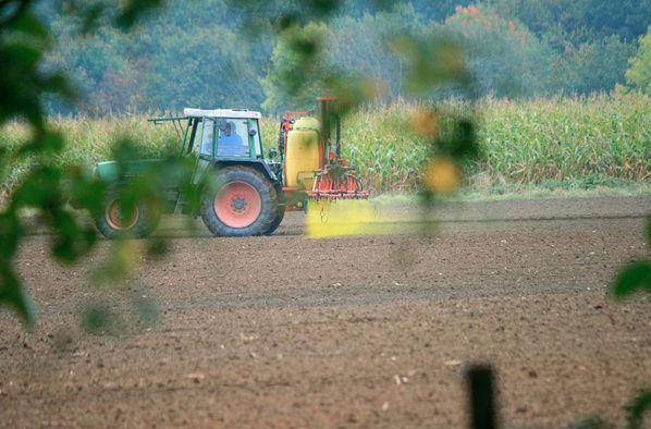 Perturbateurs endocriniens : le cadeau discret mais majeur au lobby des pesticides