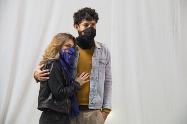 Hypoallergénique et connecté, ce foulard est en fait un masque anti-pollution