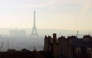 Inédit en France : une Parisienne victime de la pollution de l'air porte plainte contre l'État