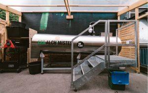 """Ces """"magiciens du compost"""" transforment les bio-déchets de Paris en ressource"""