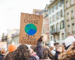 Climat : vers une nouvelle taxe carbone ?
