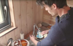 Tiny house 100 % low-tech : la gestion de l'eau