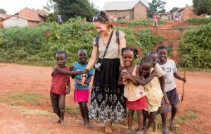 Voyages humanitaires : gare aux arnaques du volontourisme