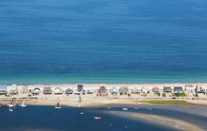 Montée des eaux : sea & sun now, apocalypse tomorrow