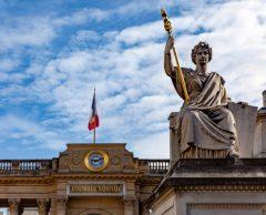 Faut-il évaluer l'impact carbone des lois ?