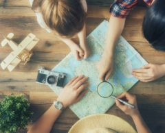 Airbnb, Booking, Google maps… Comment voyager sans Big Brother?