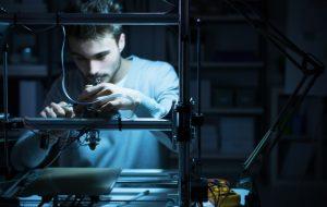 Les makers à la rescousse pour fabriquer masques, gels et respirateurs