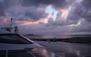 À bord du plus grand catamaran solaire du monde !