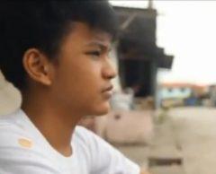 Cris, 13 ans, Père Noël des enfants dans les bidonvilles philippins