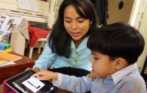 Elle change la vie des enfants autistes avec des applis sur tablette
