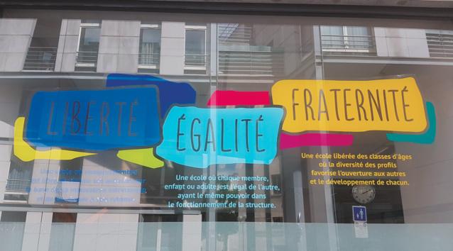 Ni cours, ni profs : bienvenue à l'école démocratique de Paris