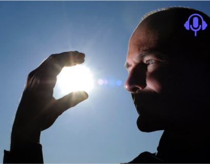 Pour Bertrand Piccard, les énergies renouvelables peuvent aider à sortir de la crise du coronavirus. (Crédit : Hervé Bonnot, Éditions de la Martinière)