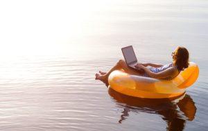Travailler sur un bateau ou depuis une île paradisiaque, bienvenue dans l'entreprise libérée