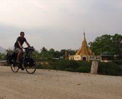 Il a fait Paris-Hong Kong à vélo : ses conseils pour partir en cyclo-rando