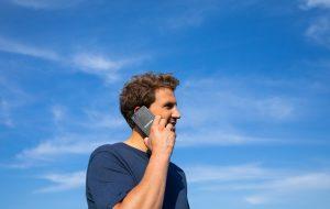 Smartphone : ce collectif lance une offre plus durable et éthique