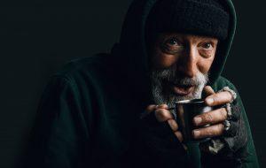 3 solutions pour aider efficacement les sans-abris