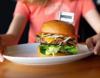 """Le steak de """"fausse viande"""", une solution pour diminuer sa consommation de viande. (Crédit : Bénédicte Lassalle)"""