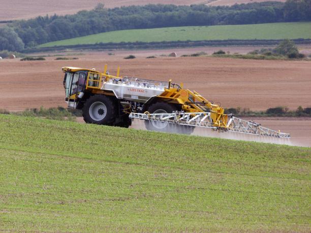 Face à la chute de ses revenus, Monsanto va licencier 2 600 salariés