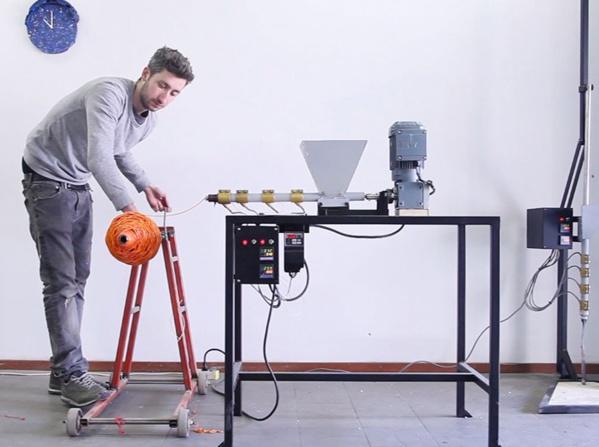 Recyclez votre plastique grâce à cette machine à construire vous-même