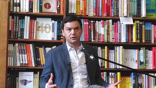 2017 : une pétition sur Change.org appelle Thomas Piketty en sauveur