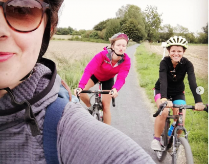 L'auteure Louise Roussel vient par ailleurs d'achevr un tour de France à vélo.