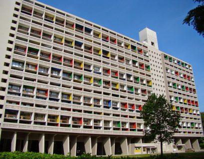 La Maison Radieuse, dessinée par l'architecte Le Corbusier, a été construite de 1953 à 1955. (Crédits : Martine Vittu)
