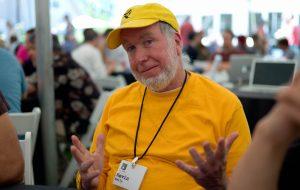 """Kevin Kelly : """"La peur des IA et des robots nous rend bêtes"""""""