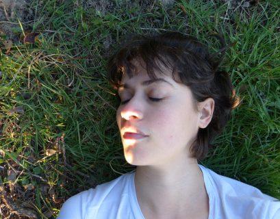 Marie Albert souffre de vestibulodynie, une douleur chronique de la vulve, qu'elle cherche à apaiser par stimulation du clitoris.