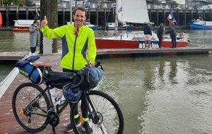 EN PHOTOS : Il rejoint la COP26 à vélo