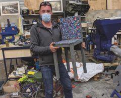 """Plastic Odyssey : """"J'ai fabriqué une chaise avec des déchets plastiques"""""""