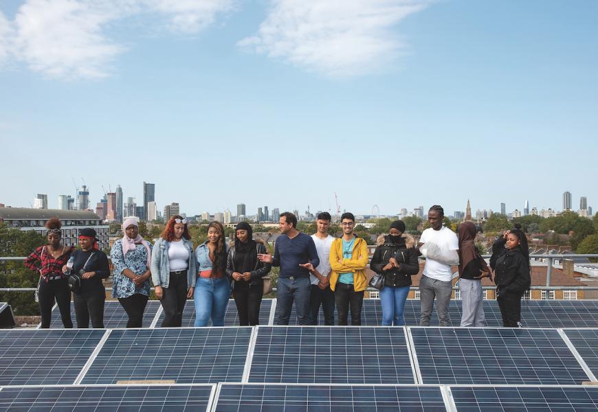 À Londres, des habitants de logements sociaux ont créé leur coopérative d'énergies renouvelables.