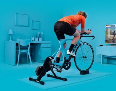 La simulation de cyclisme Zwift est un esport déjà très développée. Les amateurs y pédalent sur un hometrainer connecté à un monde virtuel.