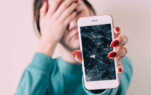Comment réparer son téléphone au lieu d'en racheter un ?