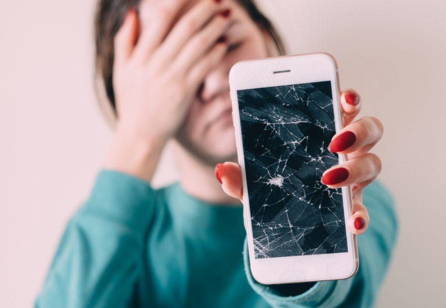 Il est souvent possible de réparer soi-même l'écran d'un téléphone.