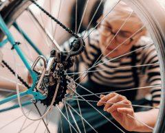 Tuto vélo : apprendre à changer une chambre à air