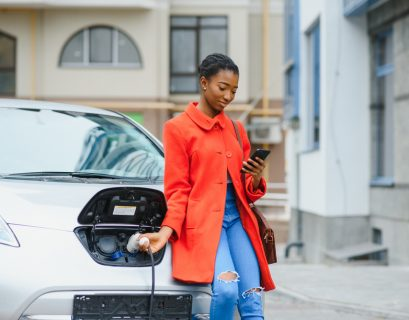En France, les ventes de voitures électriques sont passées de 42 000 à 111 000 en 2020.