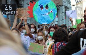 """À un mois de la COP26, """"sauver notre monde ou condamner l'humanité"""""""