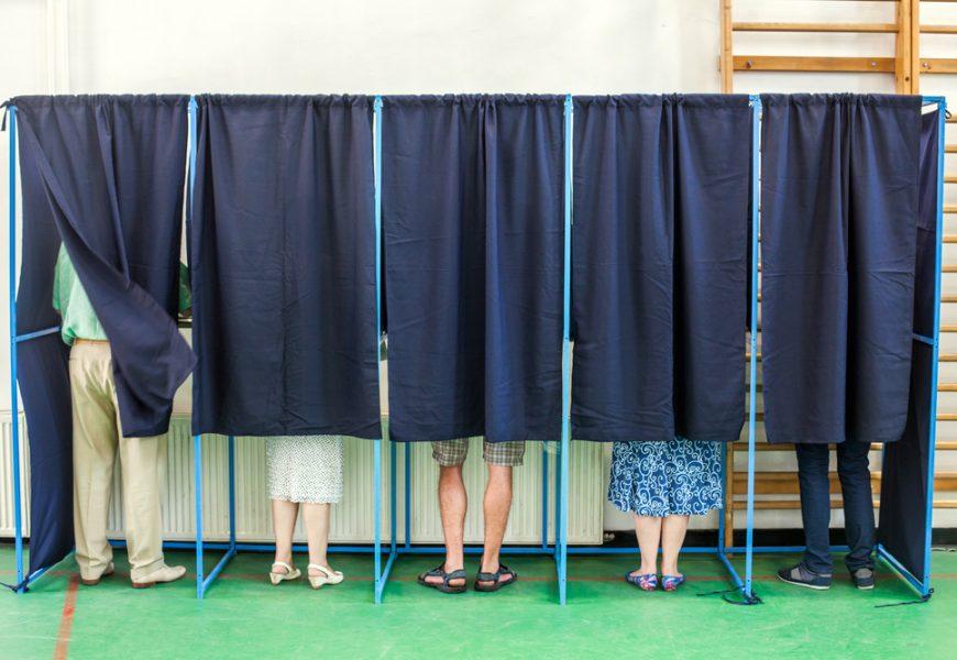 Démocratie Ouverte propose de renforcer la participation citoyenne pour lutter contre l'abstention.
