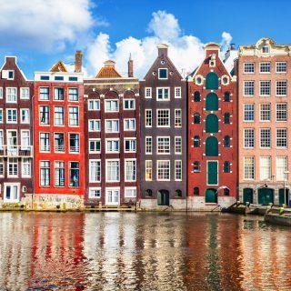 Plus de pub pour l'avion ou les énergies fossiles à Amsterdam